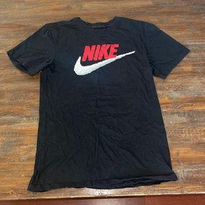 nike t shirt men's small